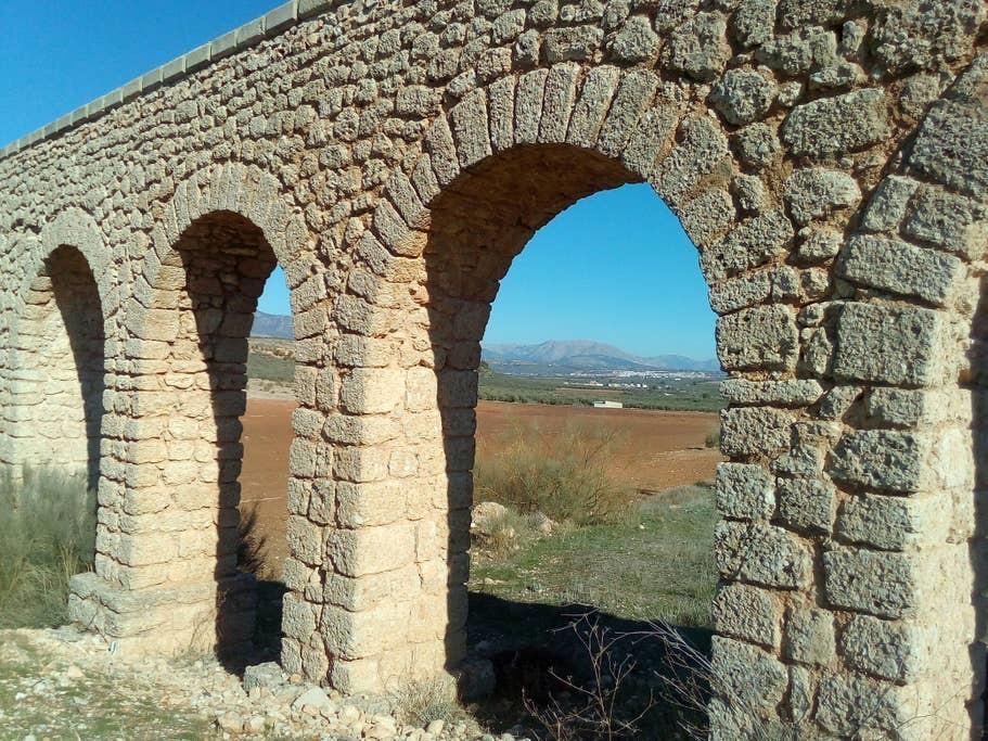 Fontenar Aqueduct